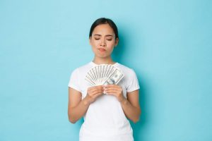 lady thinking of taking secured or unsecured loan